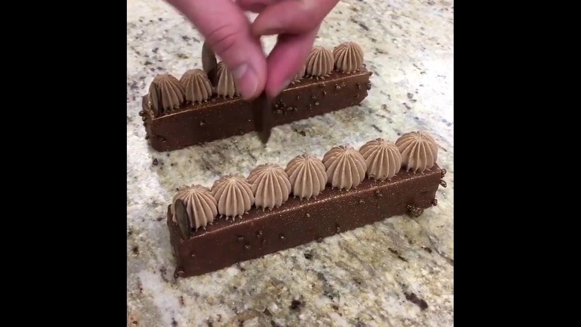 Marque todos seus amigos e amigas que são apaixonados por chocolates