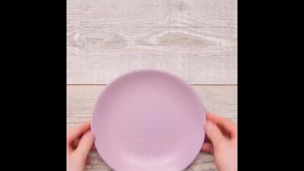 Obras de artes em pratos
