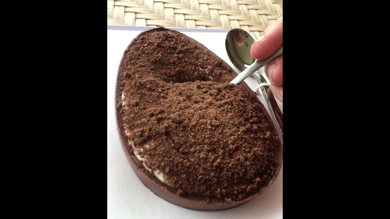 Ovo de pascoa trufado com mouse de leite em pó, e brigadeiro!!!