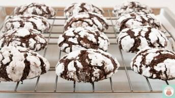 Receita De Biscoitos De Chocolate Com Crosta De Açúcar, Que Delicia!