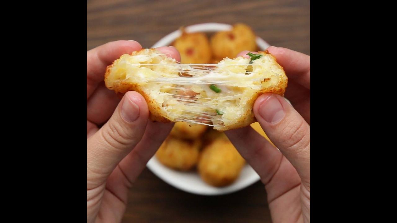 Receita de bolinha de mandioca com bacon e queijo