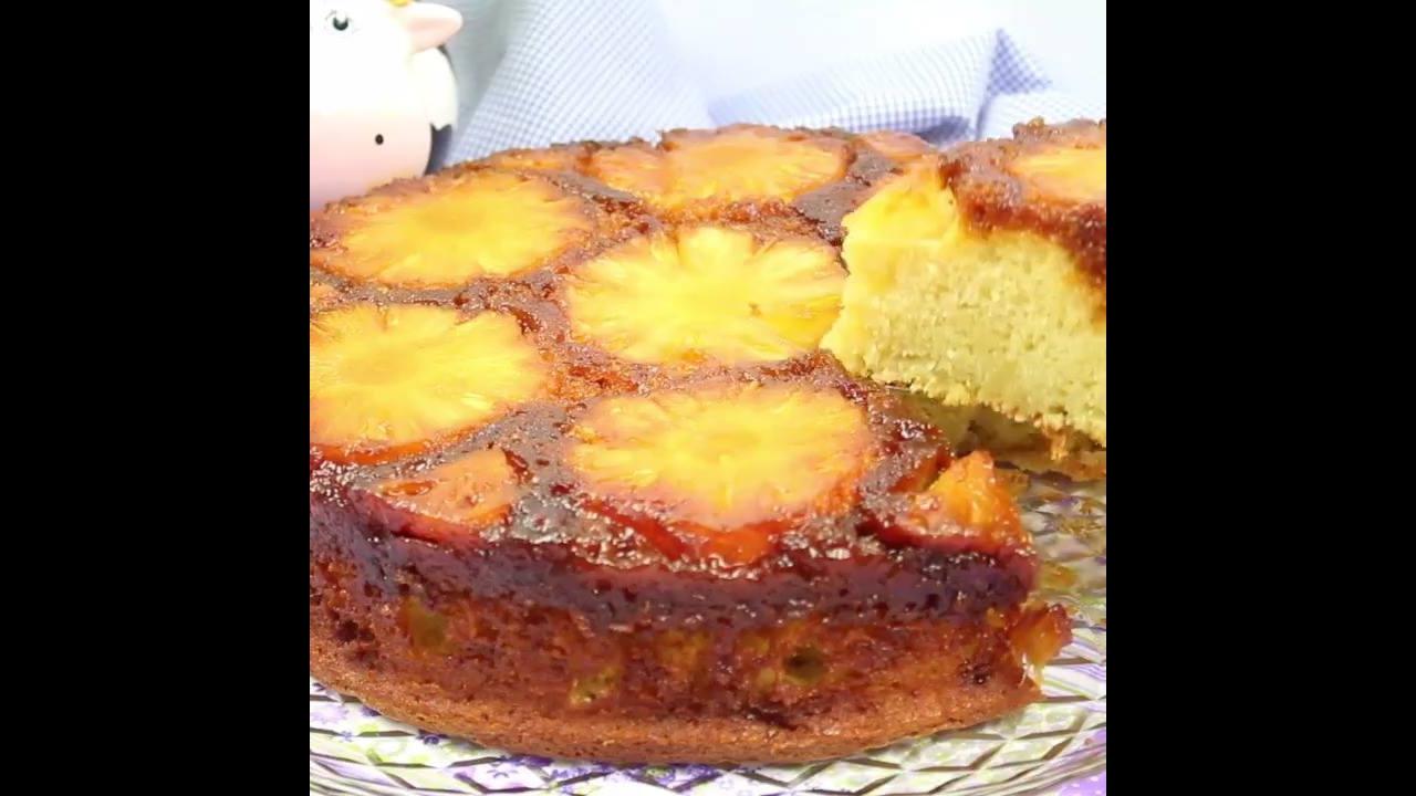 Receita de bolo de abacaxi caramelizado