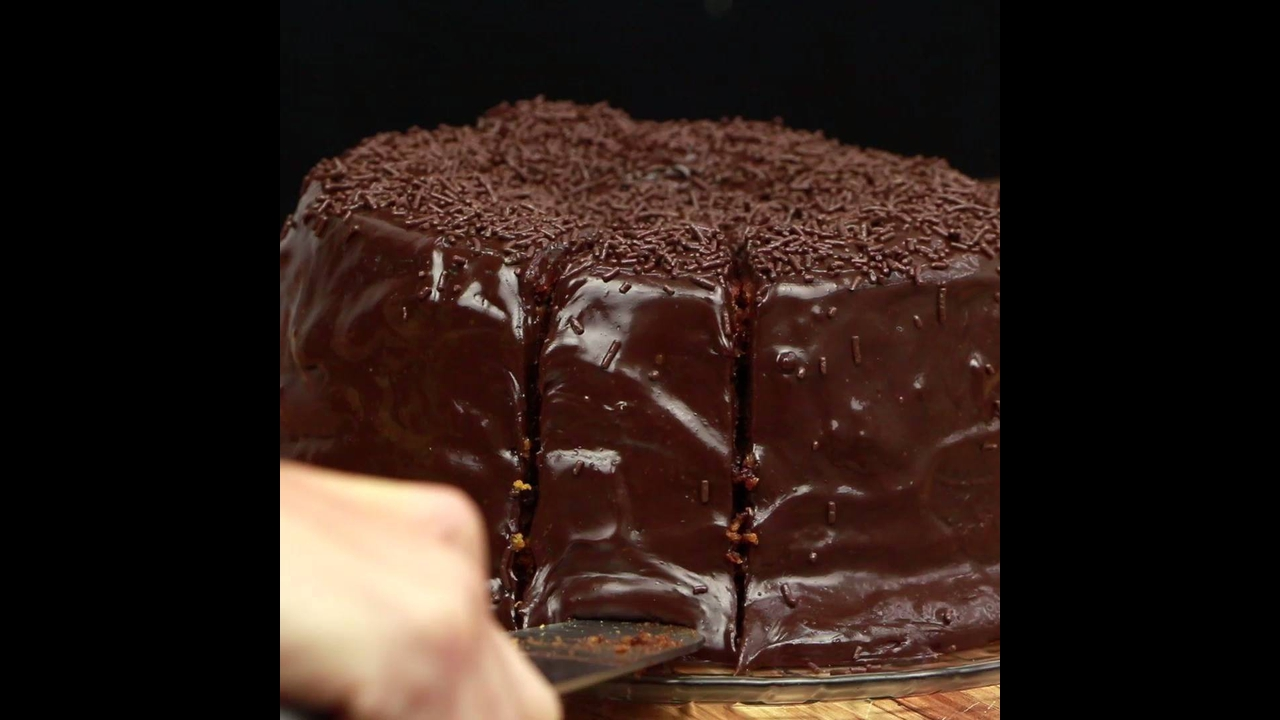Receita de bolo de cenoura formigueiro, com modo de preparo incluso!