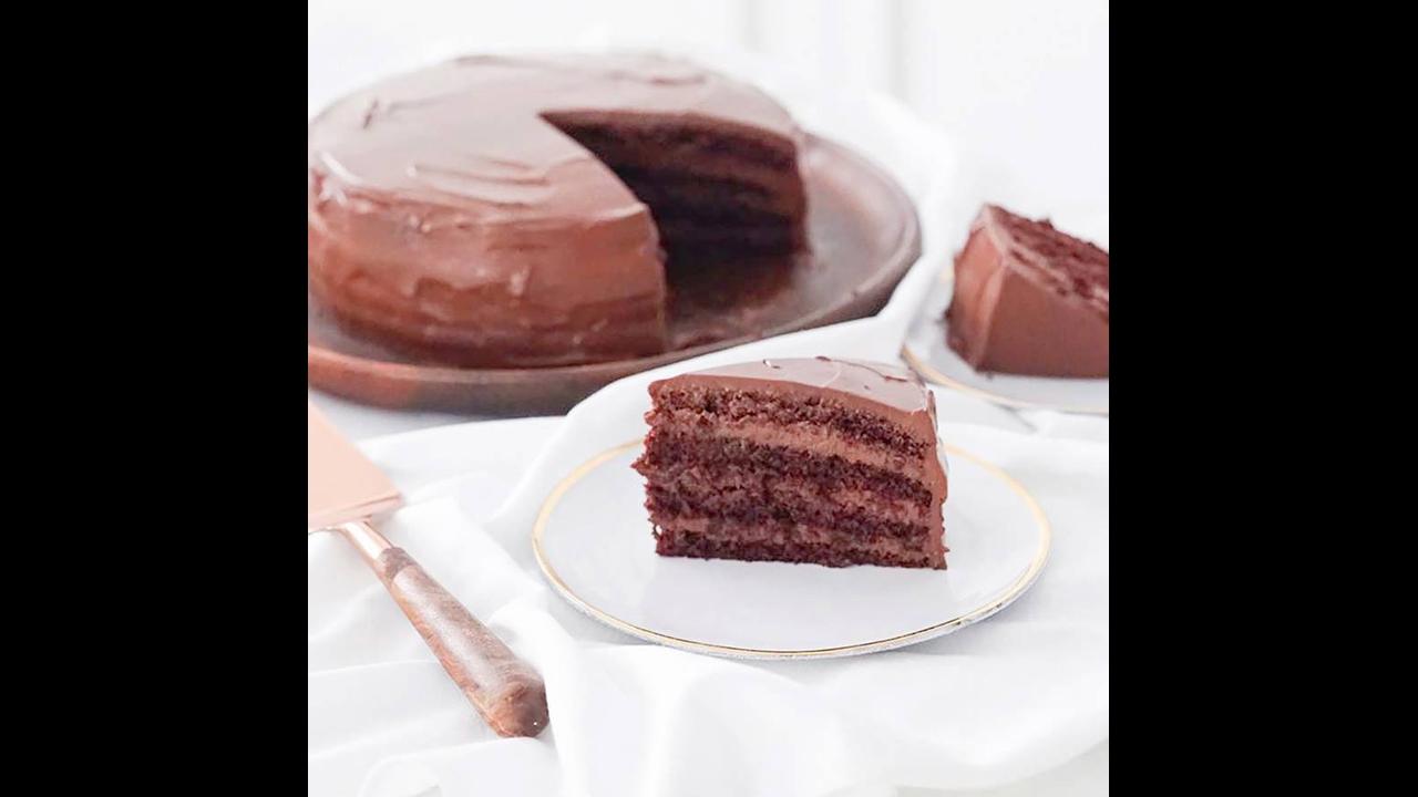 Receita de Bolo de chocolate coberto com Ganache