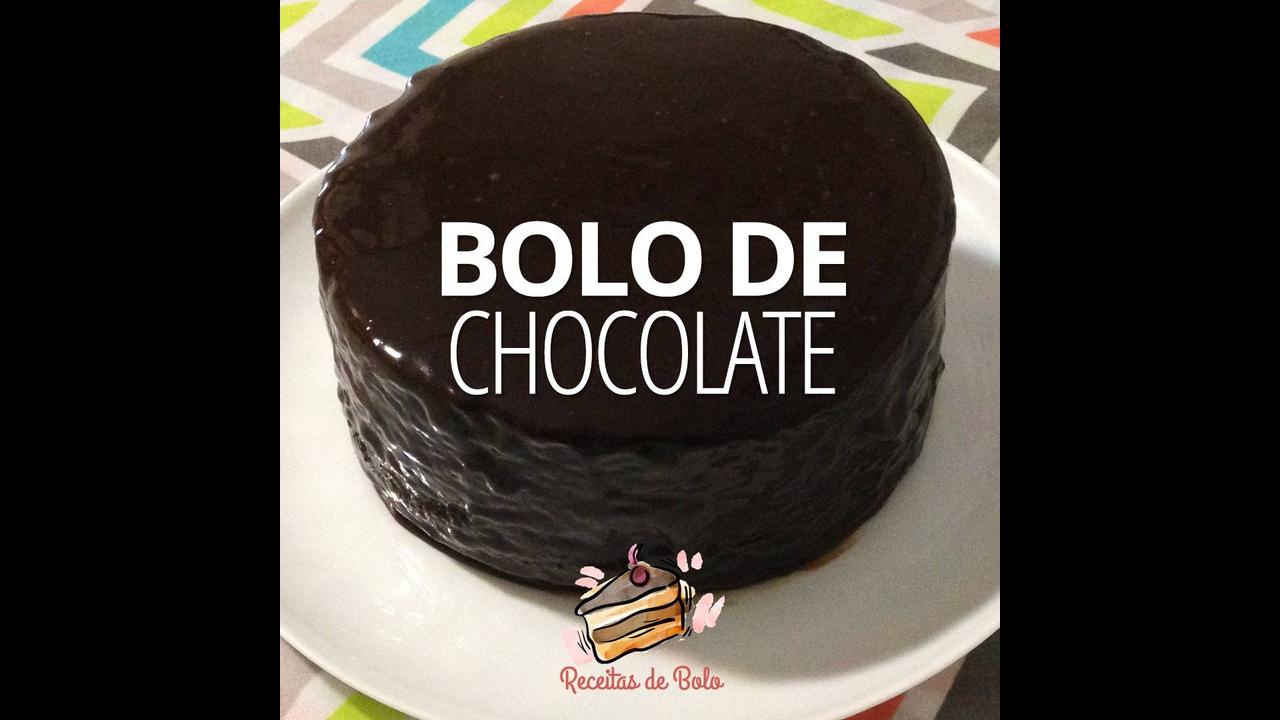Receita de Bolo de Chocolate Simples, fácil e muito sabososo!
