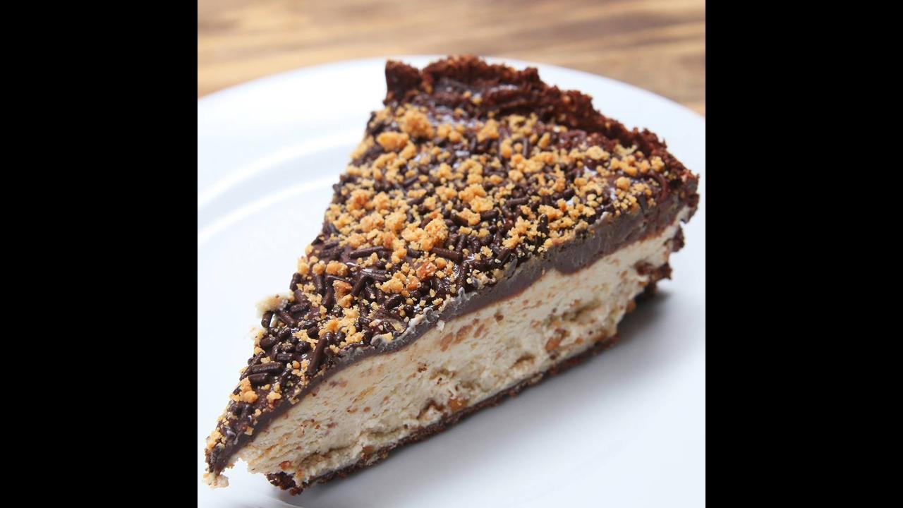 Receita de Cheesecake de paçoca com brigadeiro