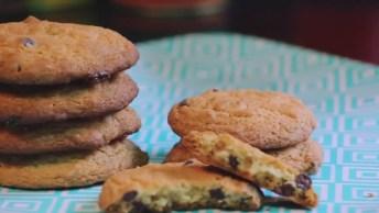 Receita De Cookies Com Gotas De Chocolate, Perfeito Para Sábado A Tarde!