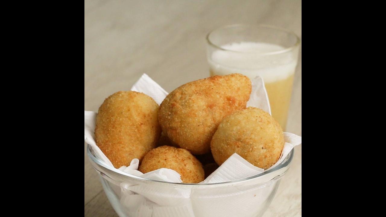 Receita de coxinha de mandioca com carne seca