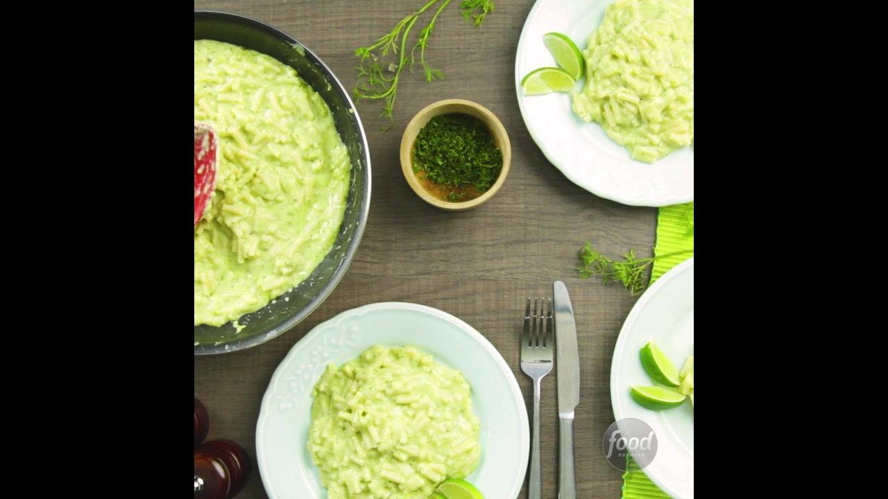 Receita de Macarrão com Queijo Cheddar e Abacate, um prato diferente e gostoso!