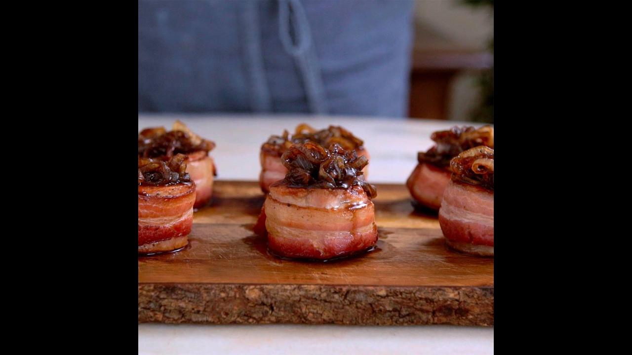 Receita de Medalhão de porco com Bacon e cebolas caramelizadas