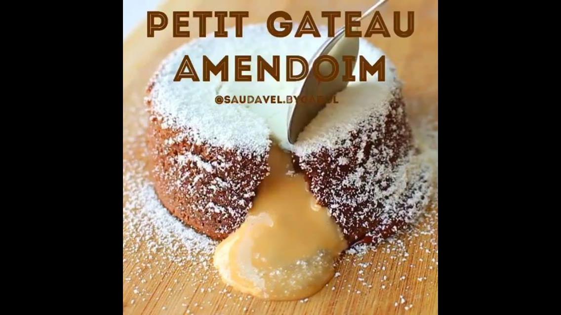 Receita de Petit Gateau recheado com pasta de amendoim