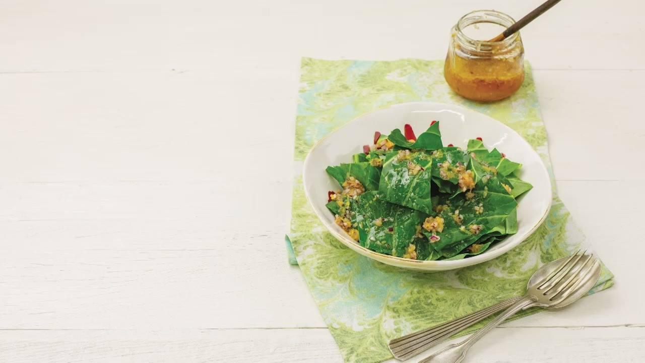 Receita de salada de couve com vinagrete de laranja