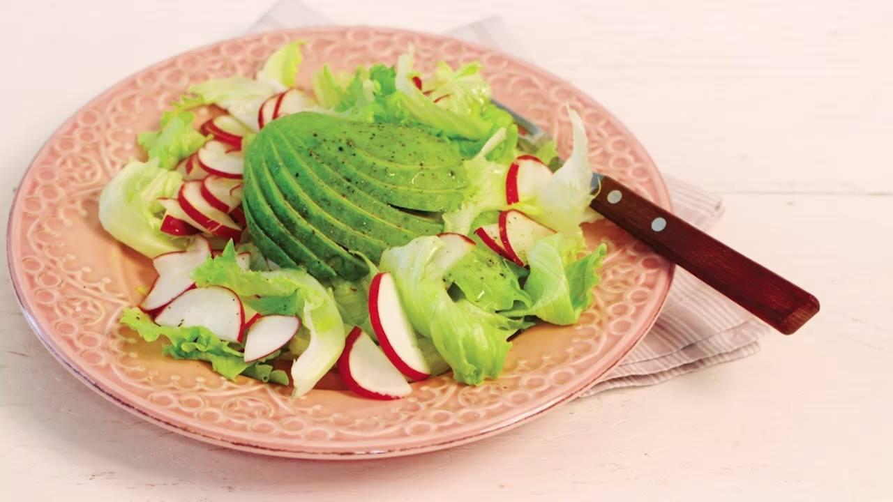 Receita de salada de rabanete com avocado