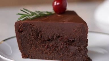 Receita De Torta De Chocolate Cremosa, Uma Delicia De Sobremesa!