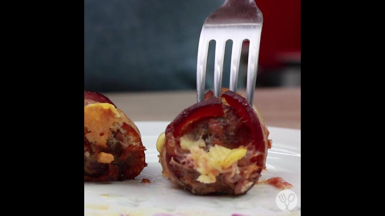 Receita e modo de preparo de bolinho de Carne Moída com Linguiça e Bacon