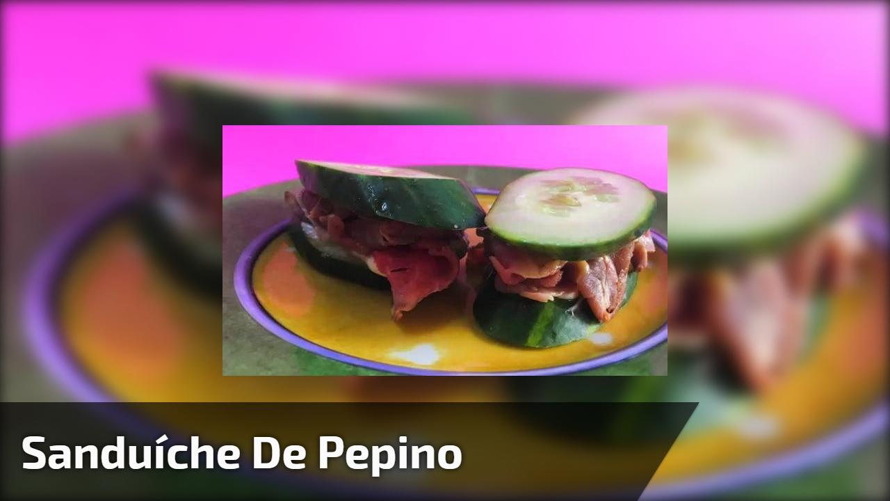 Sanduíche de pepino, para continuar firme na dieta até na hora do lanche!