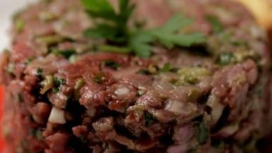 Steak Tartare, Veja O Vídeo E Aprenda Como Preparar Essa Delicia!