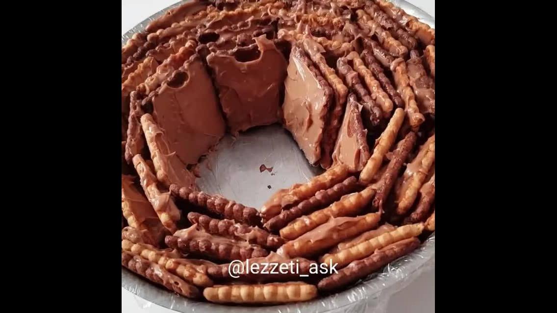 Torta de bolacha, bem fácil de fazer e fica incrível
