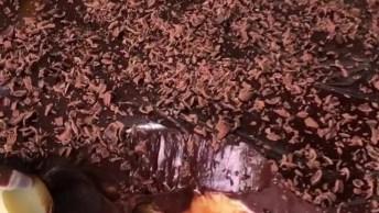 Torta De Uva Verde Com Creme De Leite Ninho E Cobertura De Brigadeiro!