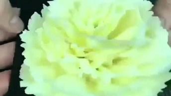 Tutorial De Como Fazer Lindas Flores De Chocolate Branco, Veja Que Incrível!