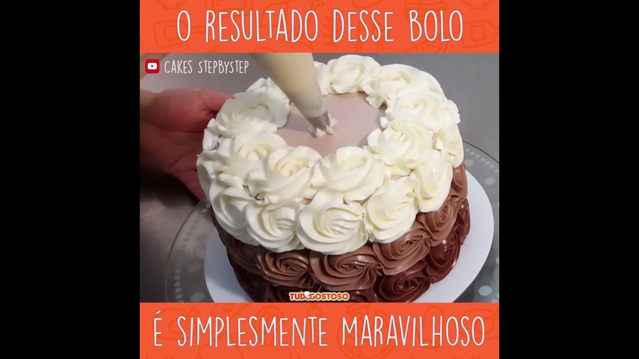 Vídeo com bolo maravilhoso sendo decorado