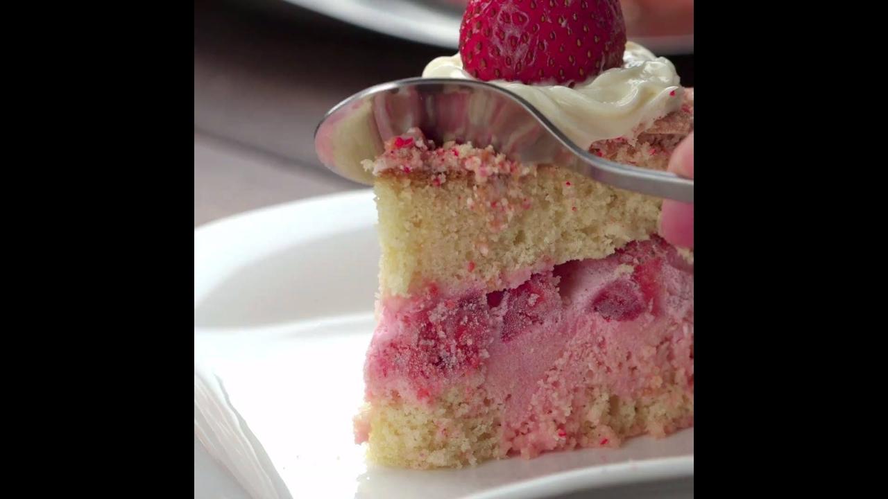 Vídeo com os bolos mais recheados que você já viu, é muita perfeição!!!