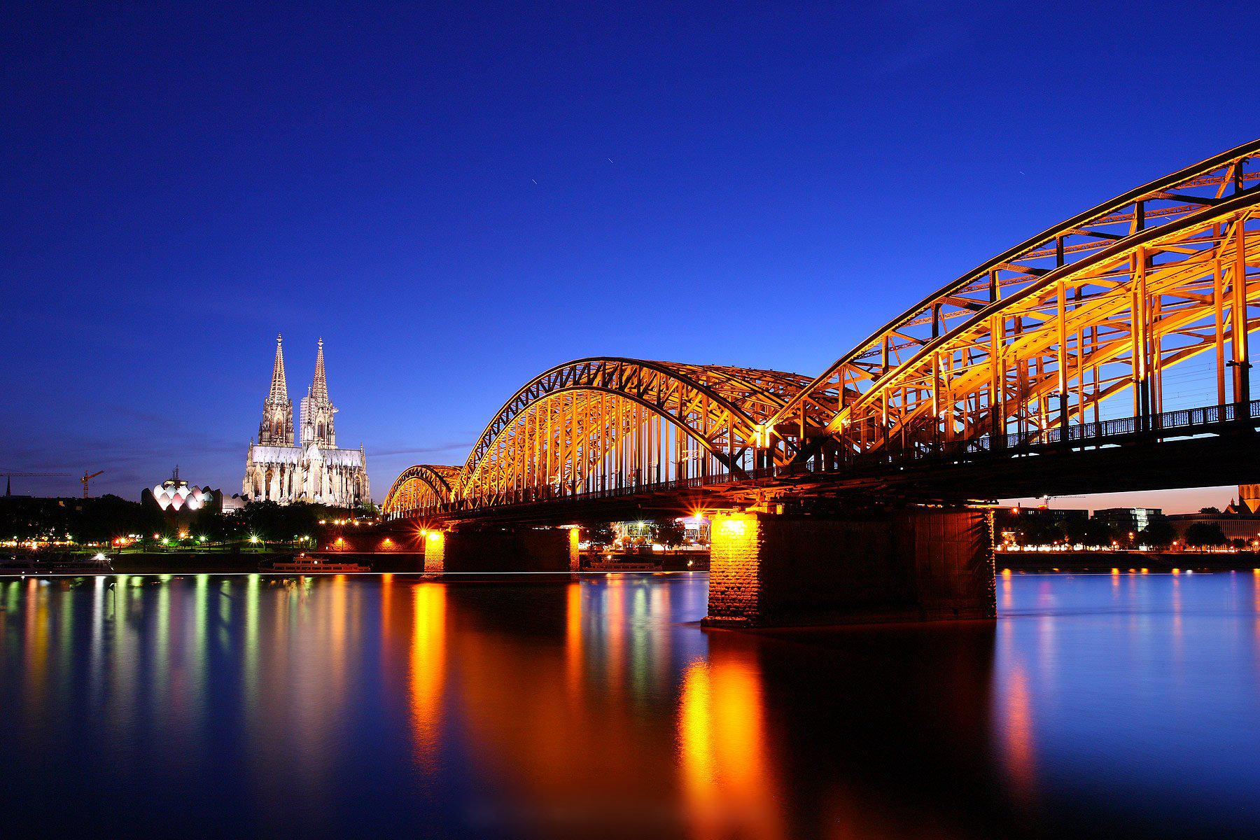 HD Cologne Cathedral Twilight Germany Bridge Reflection
