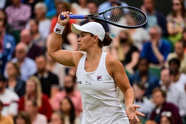 2021 Wimbledon: Barty, Kerber Forge Semifinal Showdown; Sabalenka, Pliskova Also Advance