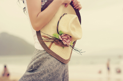 Cute-fashion-feminine-flower-hat-favim.com-99129_large