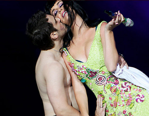 Katy_perry__beijo_rock_in_rio_1_large