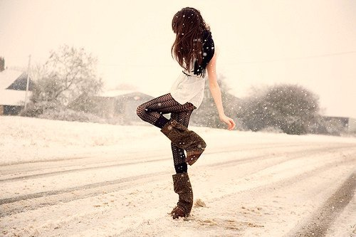 https://i1.wp.com/data.whicdn.com/images/24841040/black-boots-brown-dress-fashion-Favim.com-331555_large.jpg