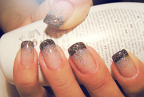 Nail Art Glitter Designs 2017 Ideas Images Tutorial Step By Flowers Pics Photos Wallpapers