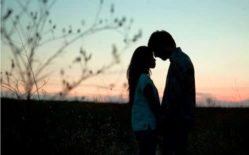 Couple_silhouette_sunset_kiss_romantic_love_sunset_girl_boy-6fcce4881ce35ef1dd767783f7fc398a_h_large_large