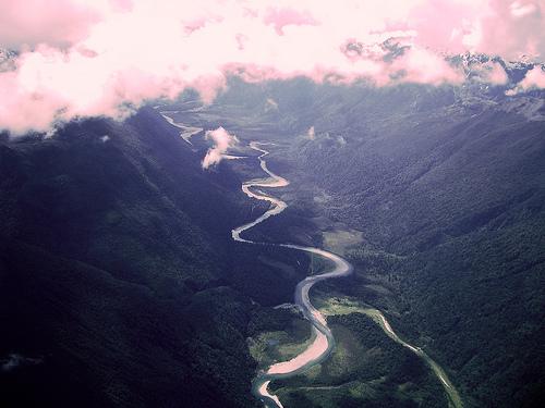 dağlarda dereler
