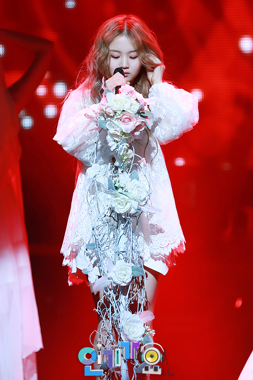 [PHOTOS] 130414 Lee Hi @ SBS Inkigayo - FLYHAYI
