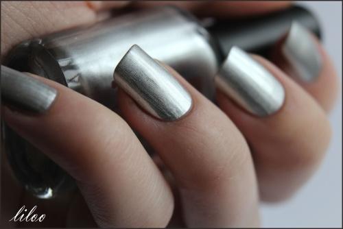 Moyra n° 304 (métal effect argent) et test du nouveu Double tampn XL !