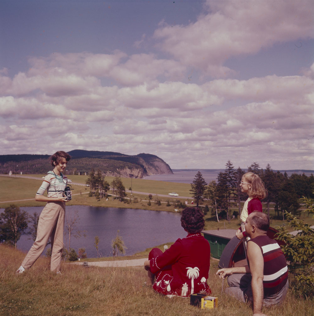 1956 canada family on picnic