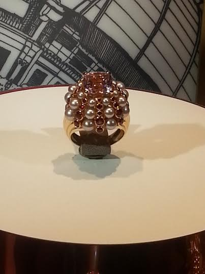 Cartier_7b_pearl_sapphires