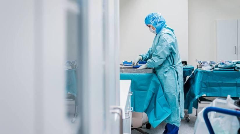 A Few Skeptical USHospital Workers Choose Dismissal Over Vaccine