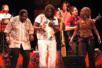 AcousticAfricaVusiMahlaselaHabibKoiteDobetGnahore2006LincolnCenterFortCollinsImageTVS