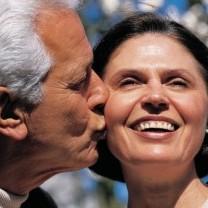 Man Kissin Woman Boomer E1384491714341
