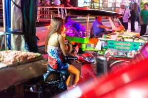 Thai hooker - enjoy night with hot girls