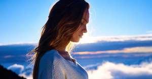 Κορίτσι στα σύννεφα