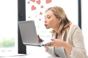 Online Dating For the Single 30 Something Woman