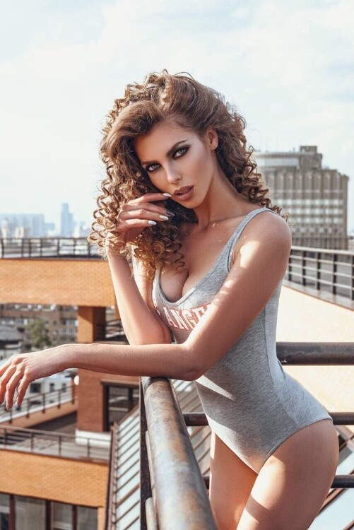 Elena easy russian dating