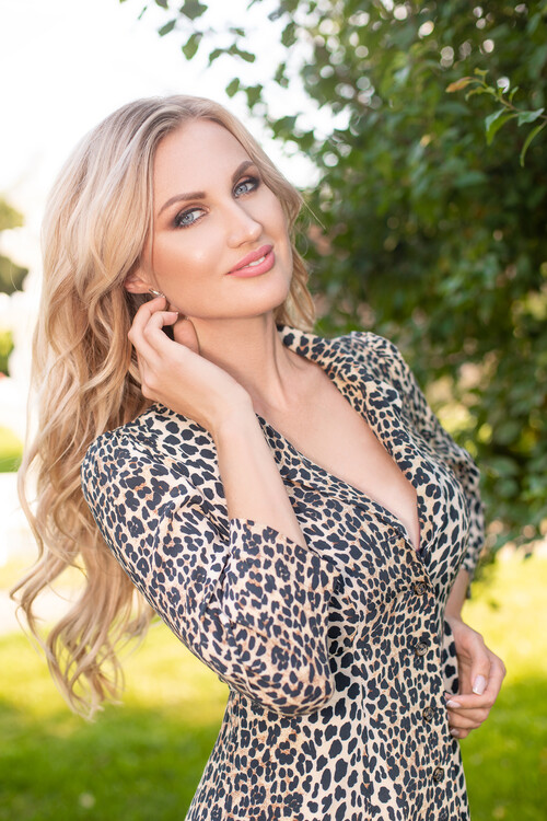 Victoria russian online dating site