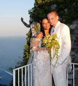 September 2, 2006: 2002 American Idol finalist and actress - Tamyra Gray at her wedding to song writer and producer - Sam Watters on the mediterranean island of Capri, Italy. During the ceremony the custom of releasing a butterfly was performed by Gray which then landed on her husbands arm, regarded as a sign of good fortune. Credit: INFGoff.com Ref.: infit-03