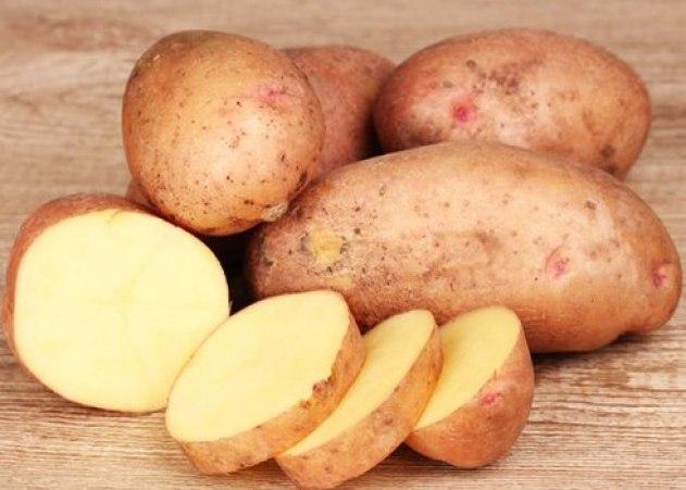 khoai-tây-trị-mụn-đầu-đen