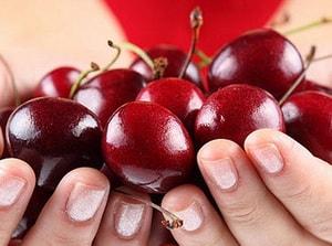Сколько ккал в замороженной вишне. Можно ли поправиться от вишни? Вред вишни натощак. Вишня в медицине – вкусный доктор