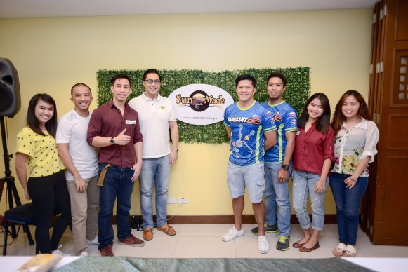(L-R) Abby Jorda, Jesse Boga, Christian Yu, Sun Made VP Carlo Calma Lorenzana, WapatDC Members Mikey Aportadera and Paolo Serrano, Brazil and Cheska Sayago of Sweet's Hearty Meals.